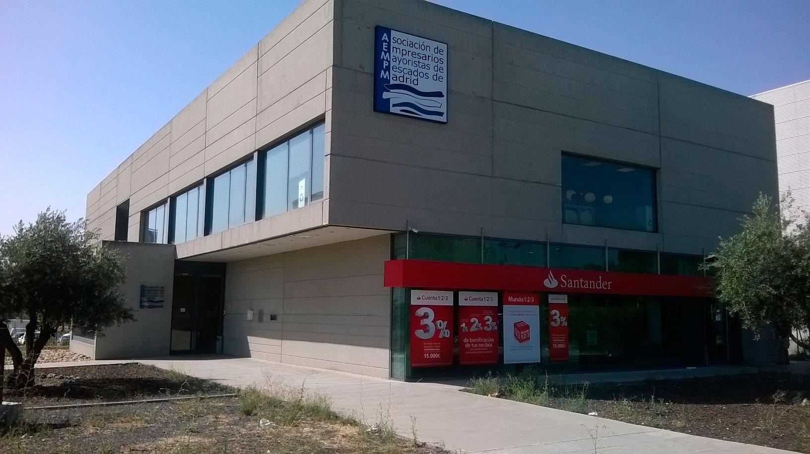 Edificio de la asociacion de empresarios mayoristas de pescados de madrid AEMPM Historia de la aempm Historia de la aempm
