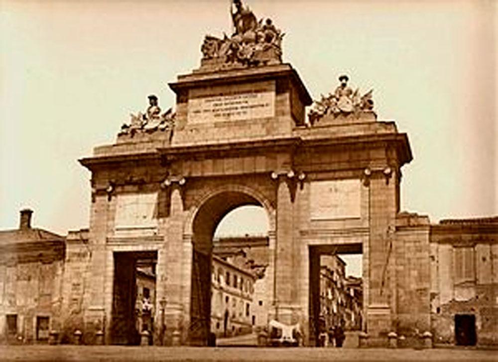 Puerta de toledo AEMPM Historia de la aempm Historia de la aempm